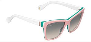 f8013028bb64c Charmantes lunettes de soleil Gucci enfant